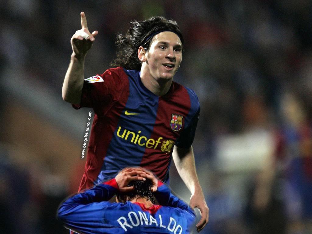 Cristiano Ronaldo se la chupa a Messi