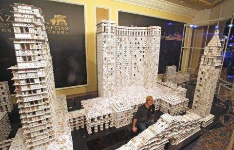 El castillo de naipes más grande del mundo Guinness-1600x1200
