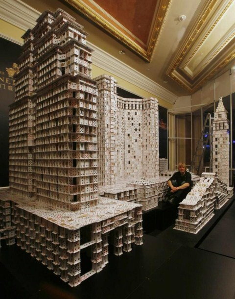 El castillo de naipes más grande del mundo Guinness3-1600x1200