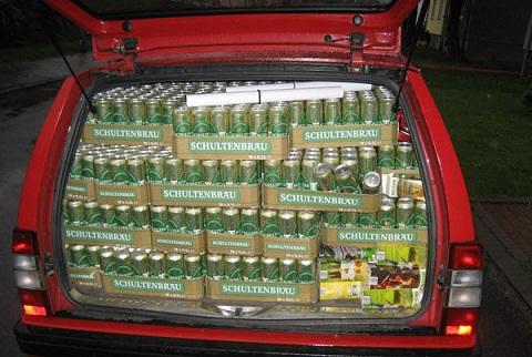Invitacion por mi cumple......No. 36-http://www.blogdehumor.com/wp-content/2010/05/maletero_lleno_de_cervezas.jpg
