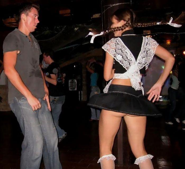 Дискотека в ночном клубе под юбкой видео никогда этого