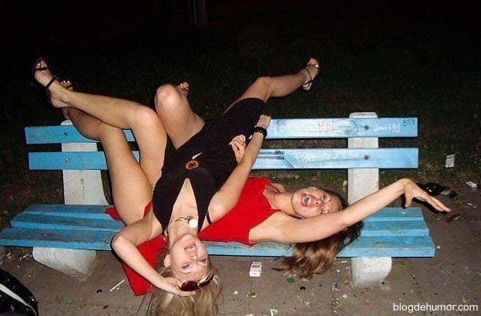 Dos chicas se desnudan y me la comen - 2 4