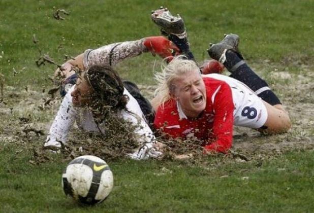 mujeres jugando:
