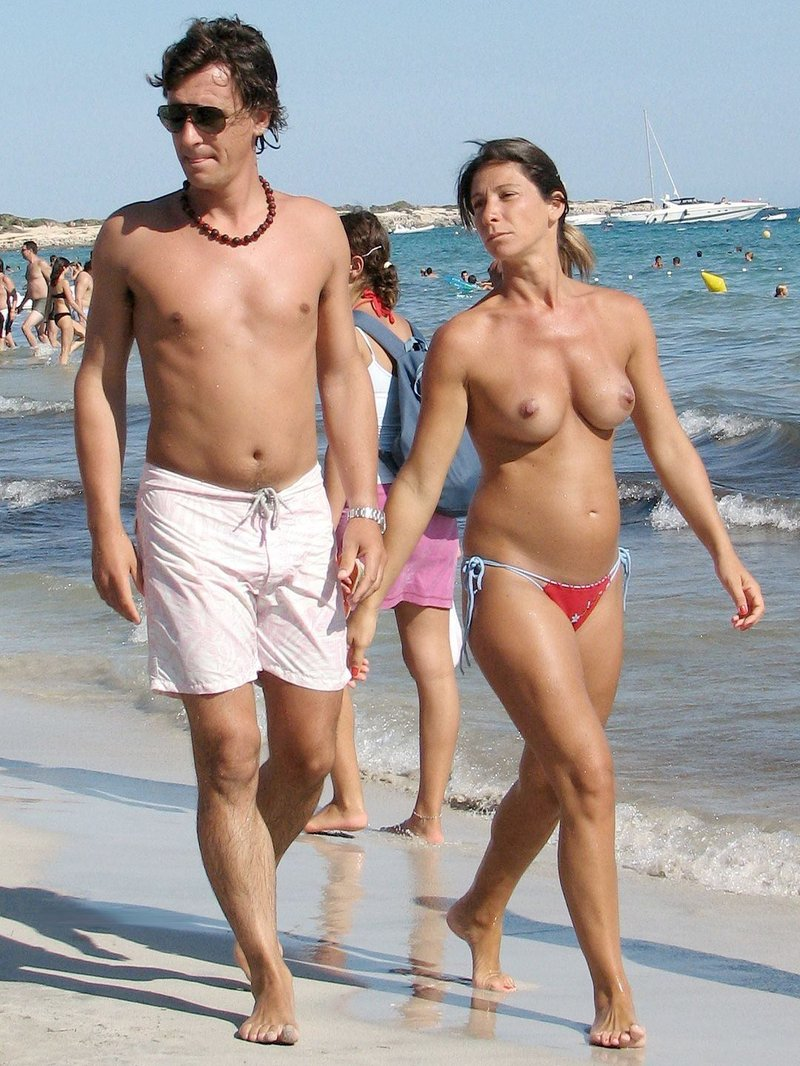 En la playa de mallorca 9