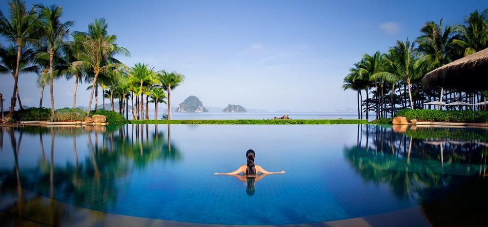 Relajarse en una piscina for Bricomania piscina