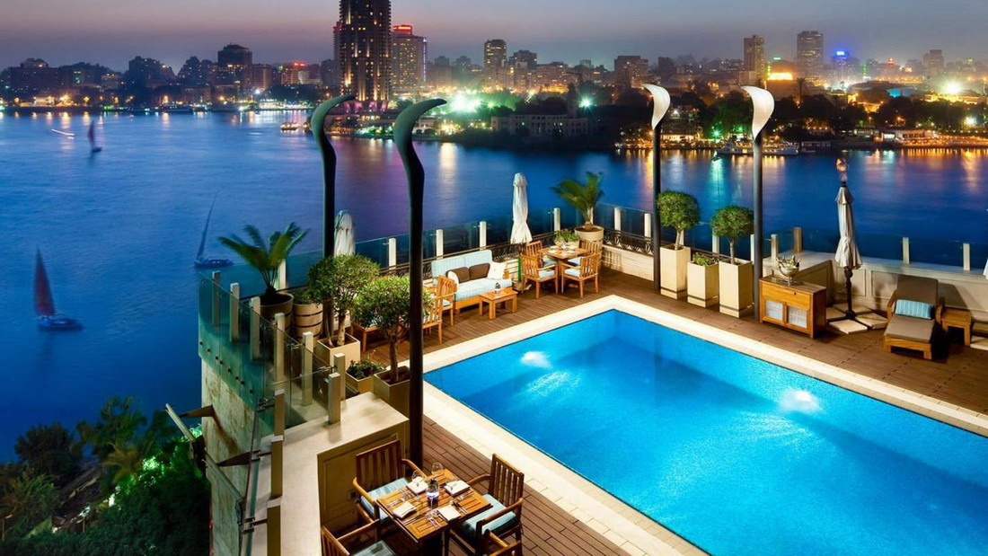 restaurante con piscina economico