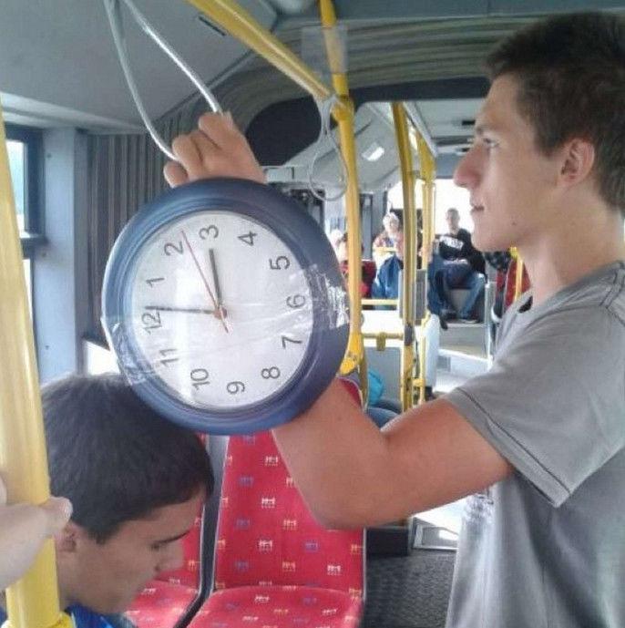 la moda de los relojes grandes