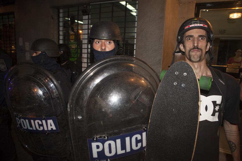 skater con la policia