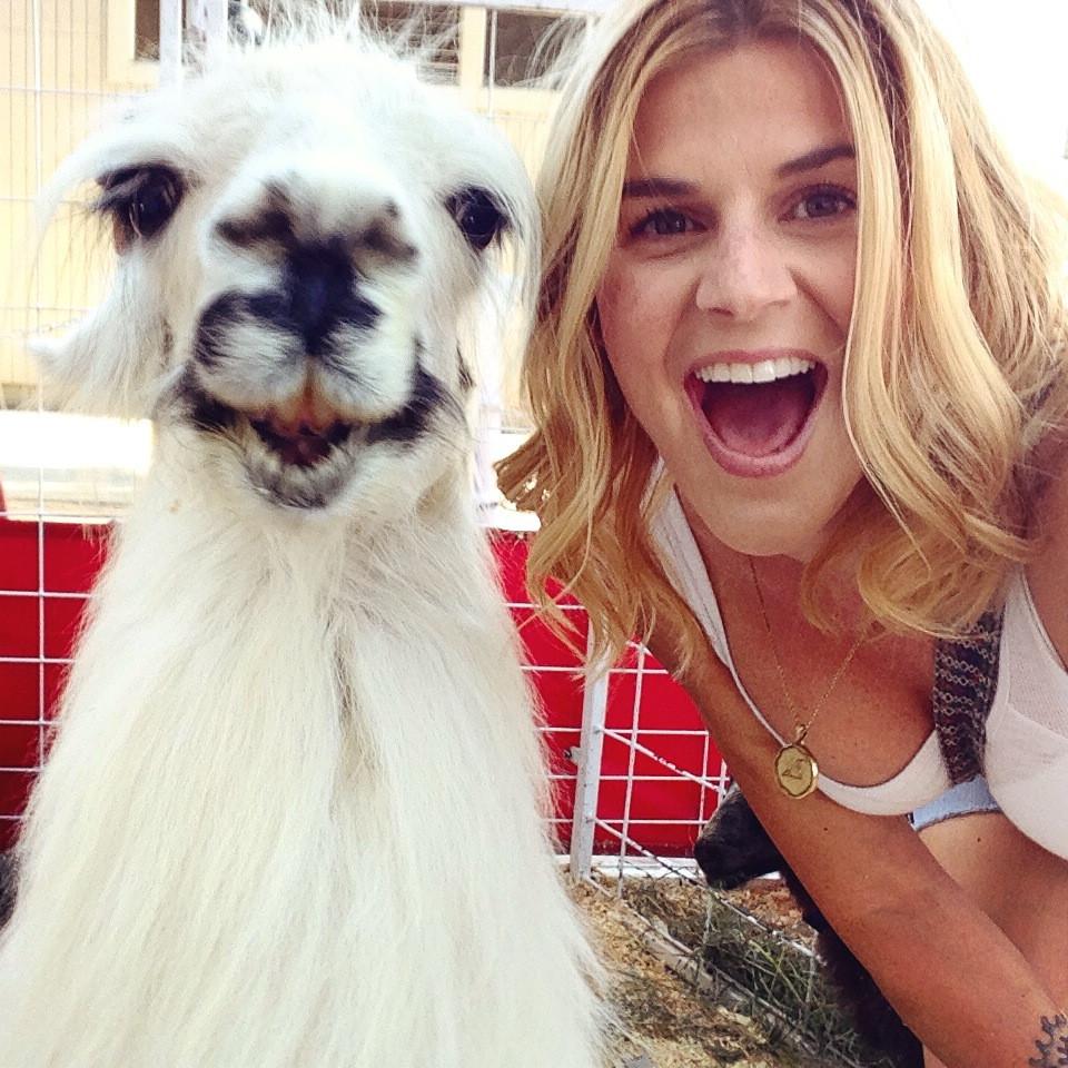 selfie con una llama fotogenica