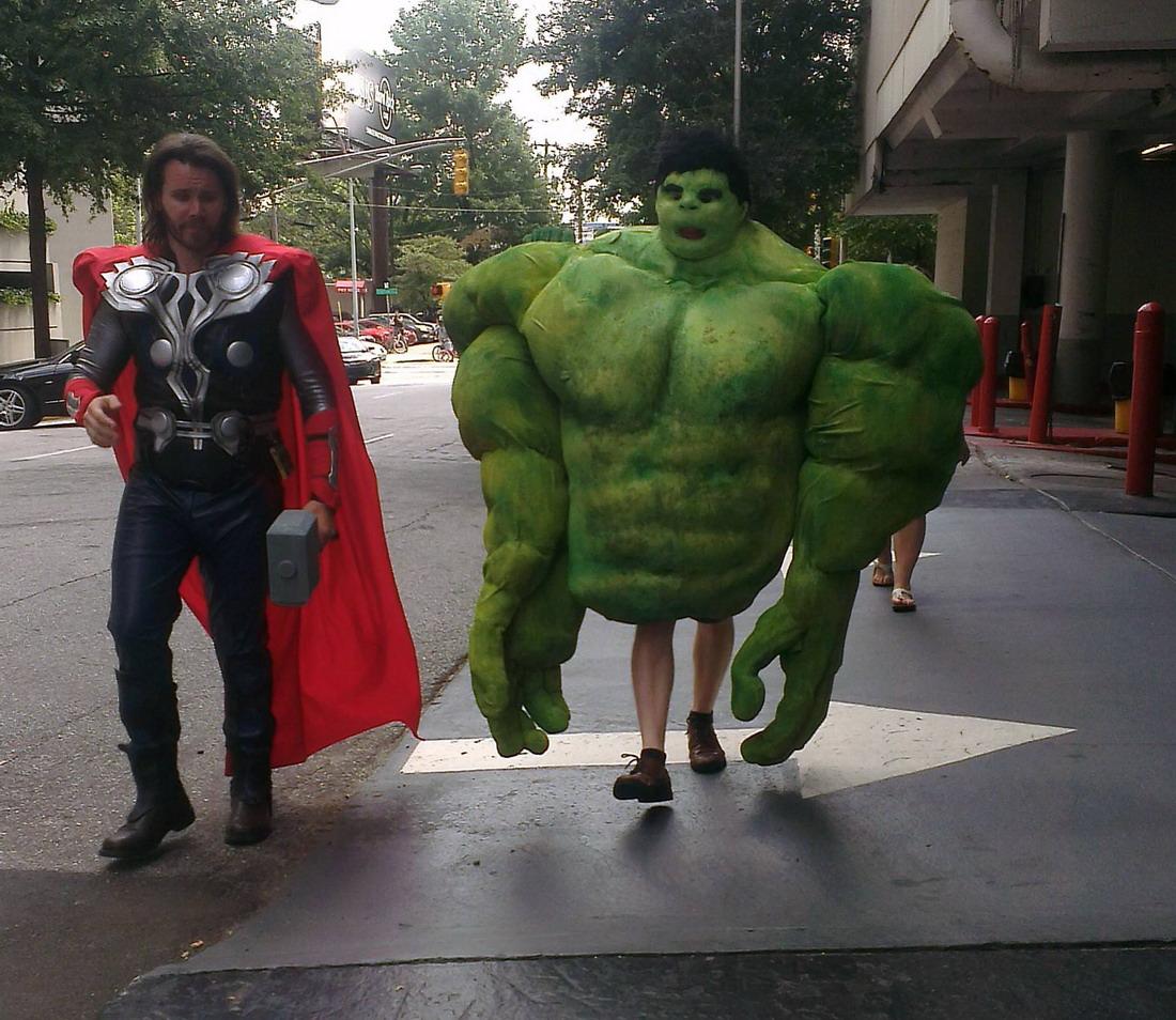 el disfraz de hulk mas divertido
