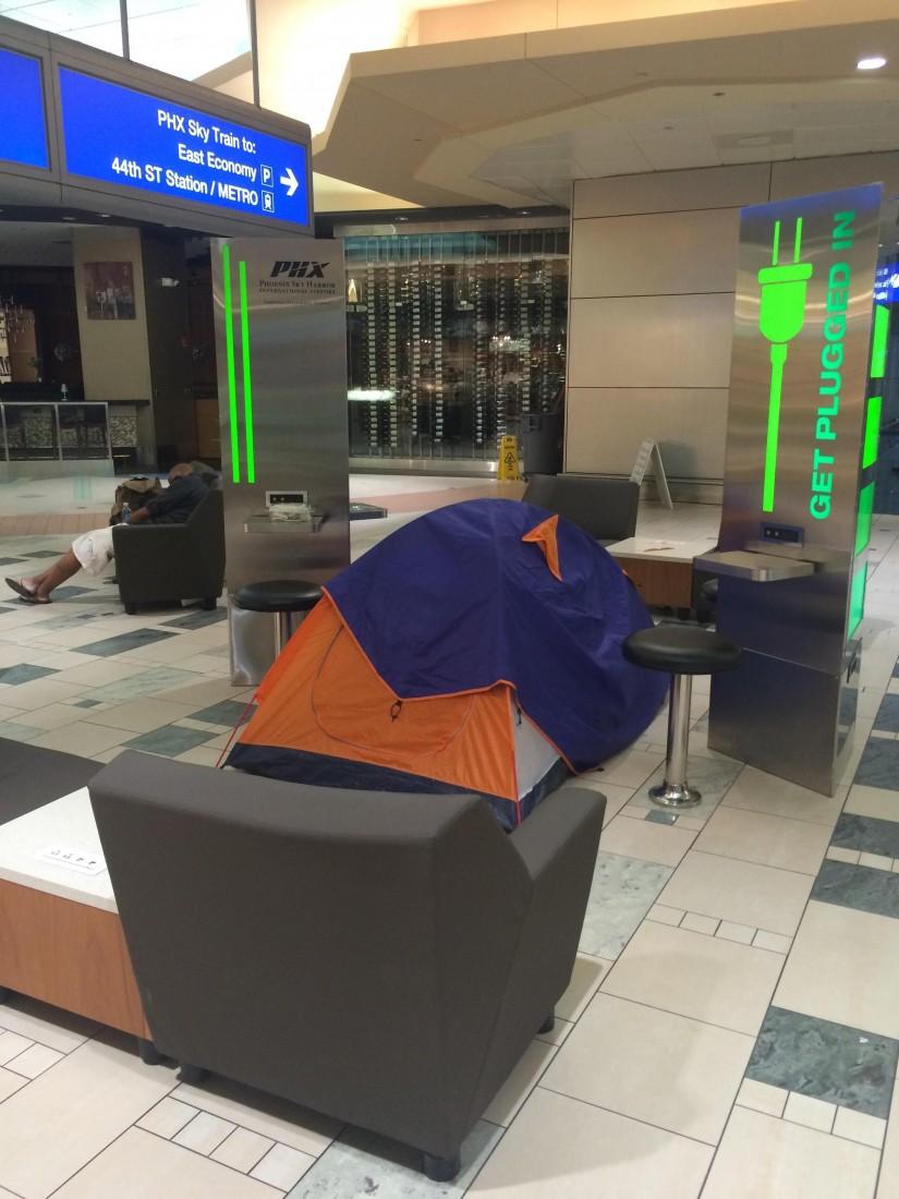 acampada en el aeropuerto