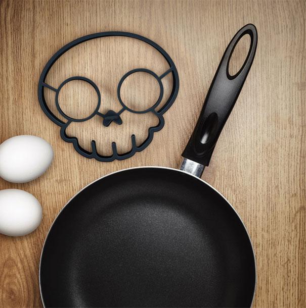 huevos convertidos en calaveras 4