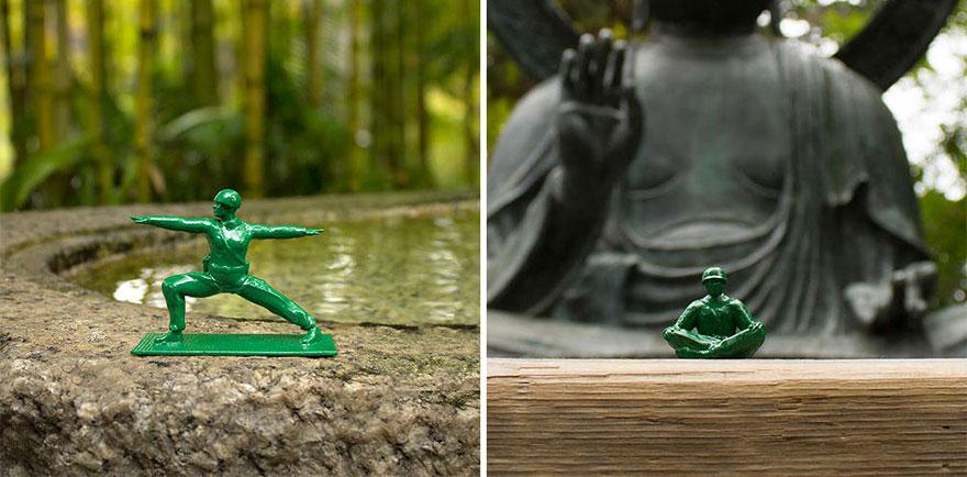 soldados de juguete haciendo yoga 4