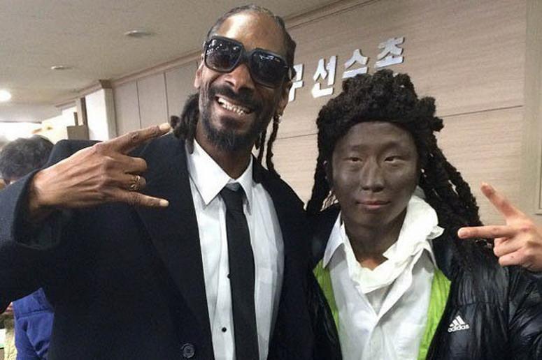 Snoop Dogg con un fan japones