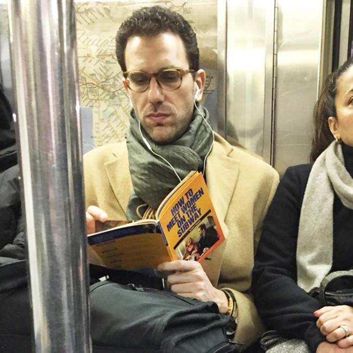 un tio peligroso en el metro