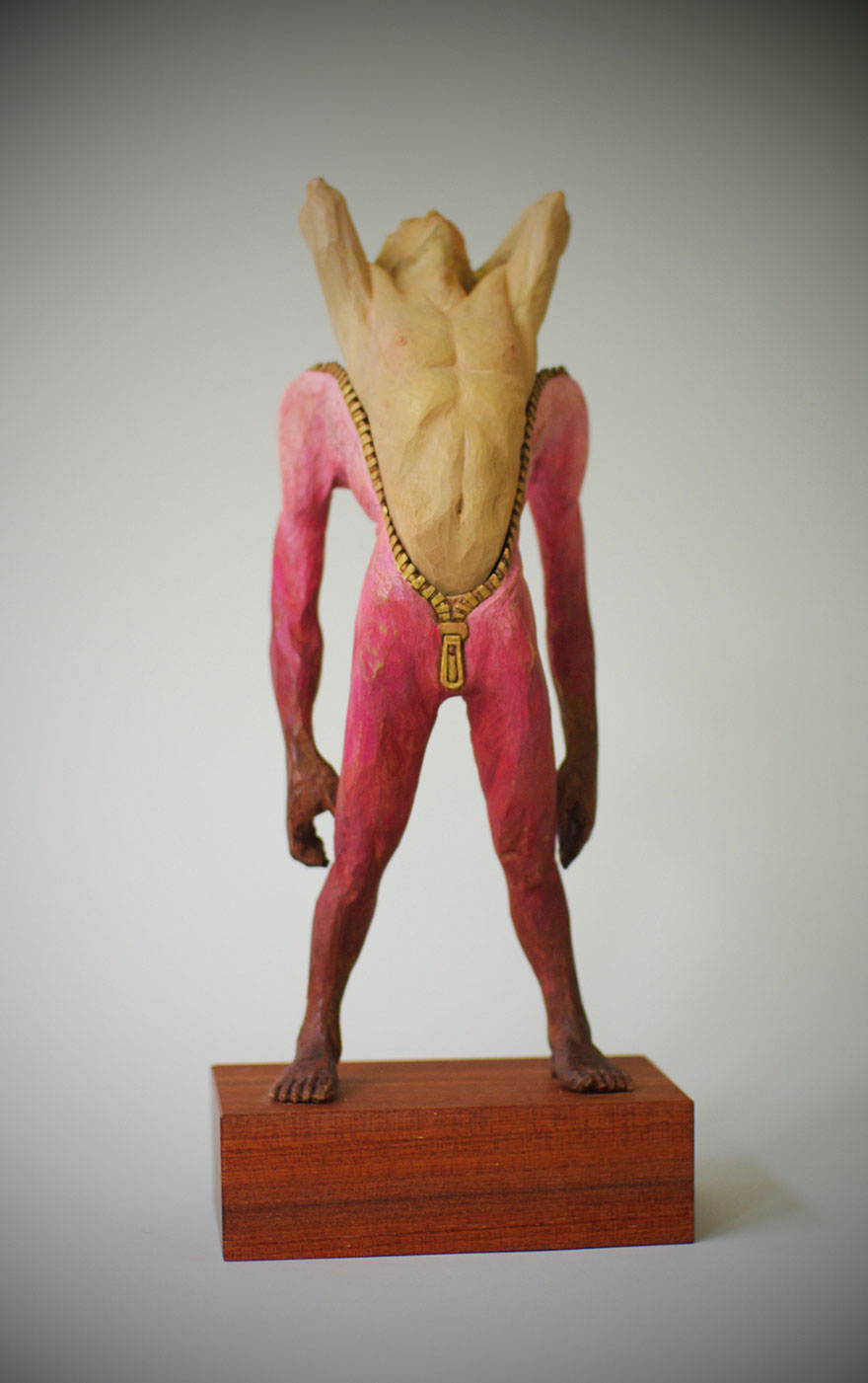 madera estatua 16