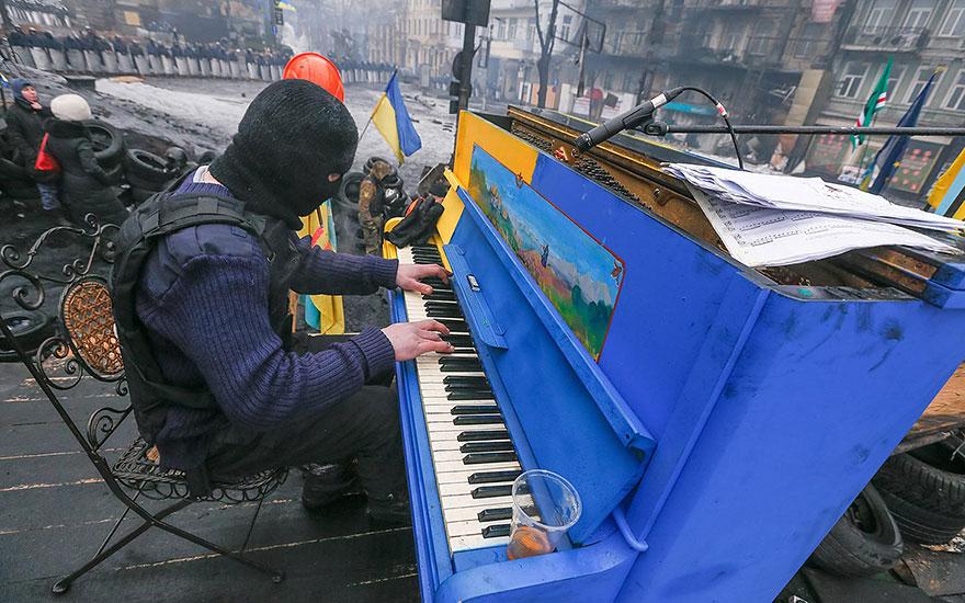 pianos pintados en plena calle 11