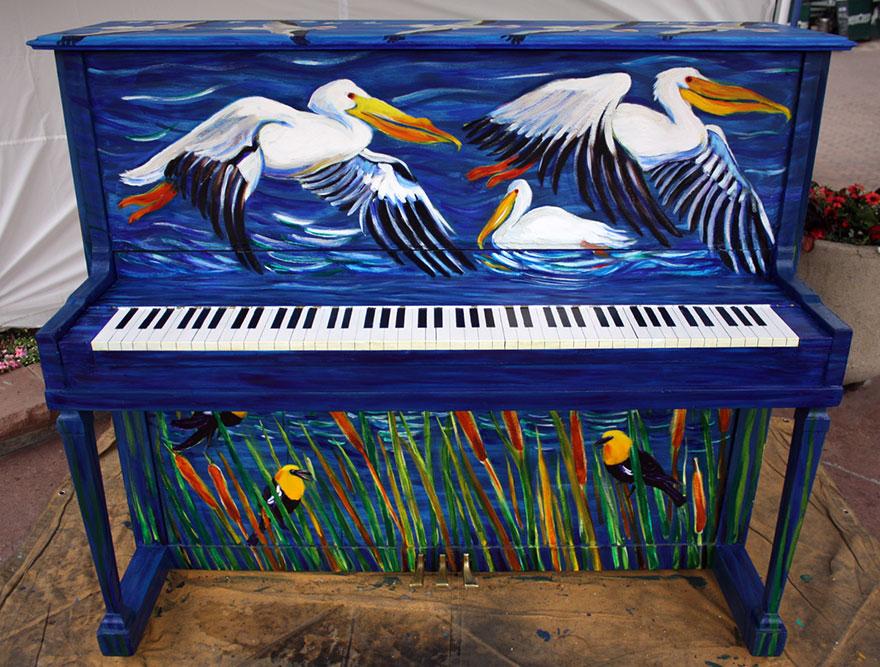 pianos pintados en plena calle 14