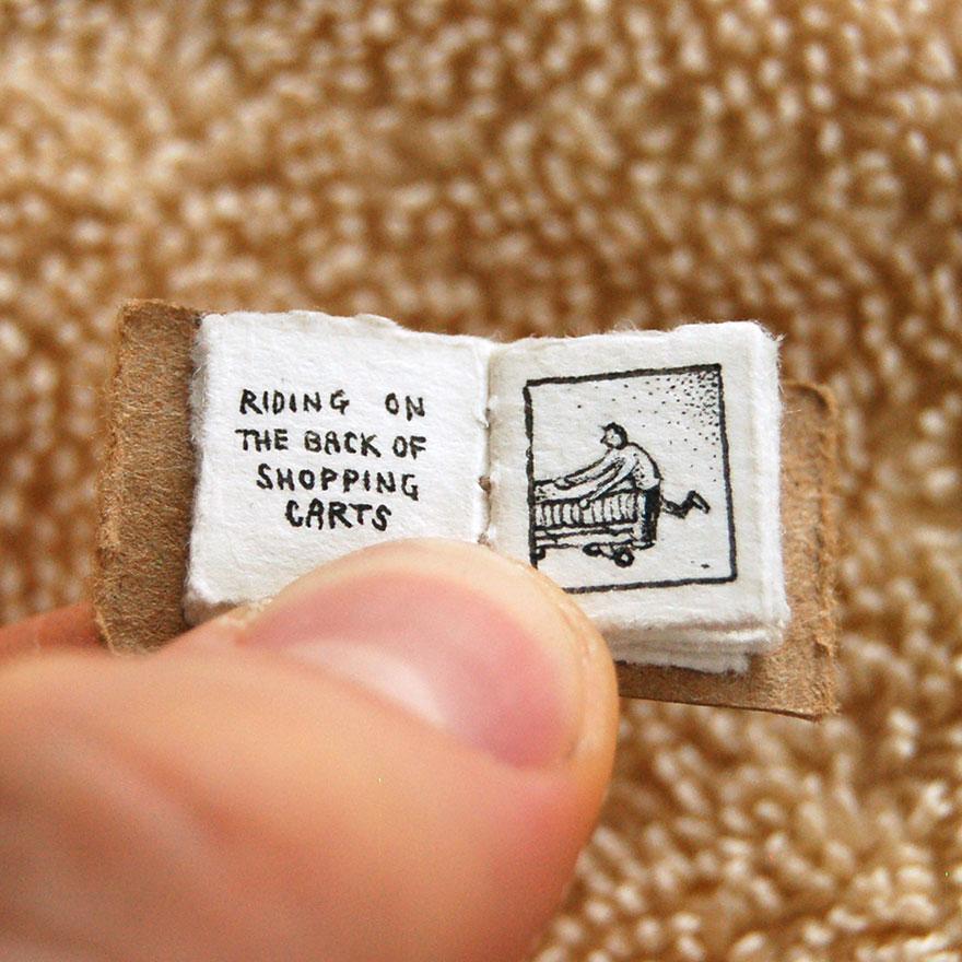 libro en miniatura 3