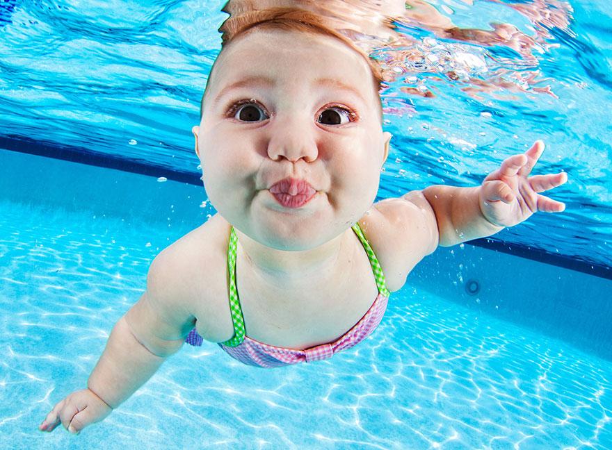Divertidas fotos de beb s en piscinas - Piscinas para bebes ...
