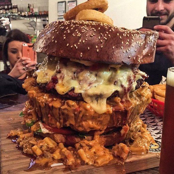 hamburguesa grande y asquerosa