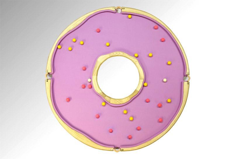 mesa de billar con forma de donut 1