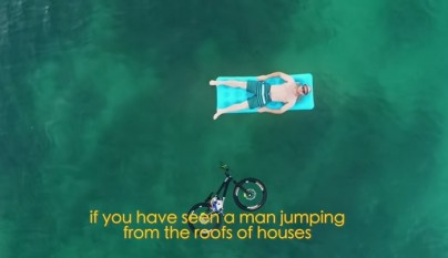 bicicleta en el mar