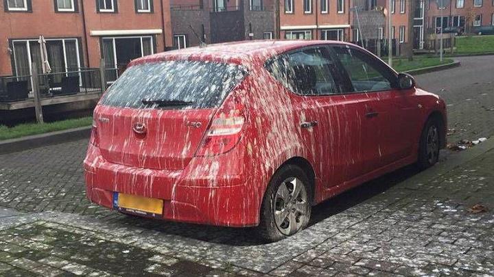 coche muy cagado