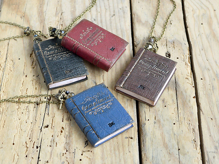 libros colgantes