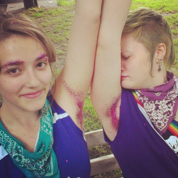 sobacos peludos purpurina 9