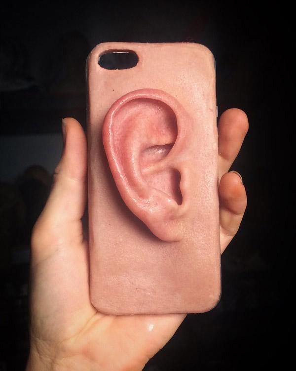 funda de movil con oreja incorporada