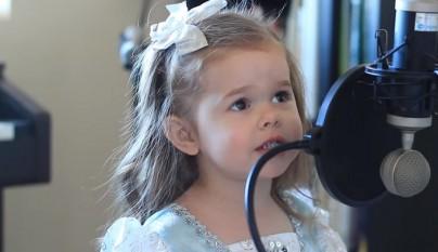 nina cantando