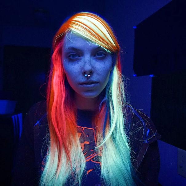 pelo arcoiris brilla oscuridad 2