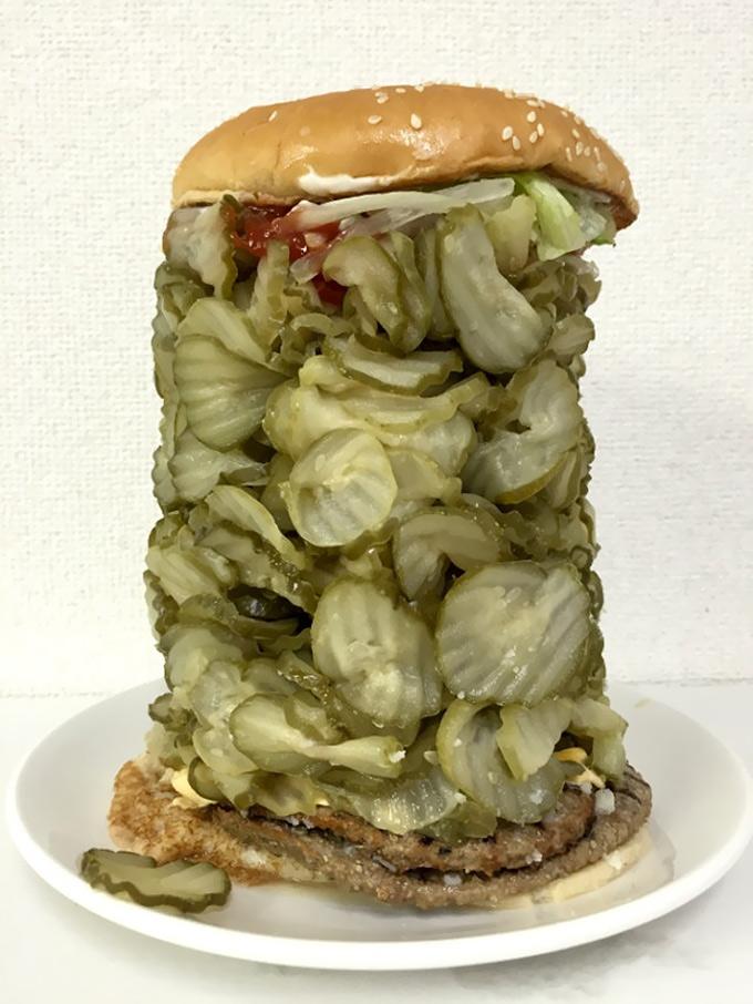 hamburguesa con 718 pepinillos