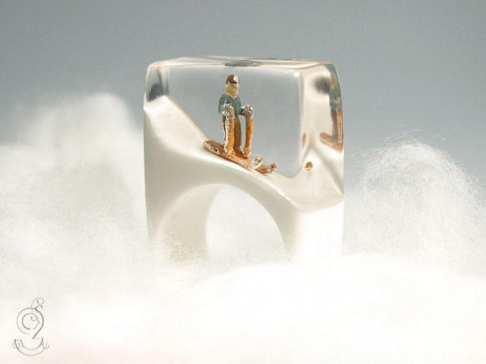anillos con miniaturas dentro 3