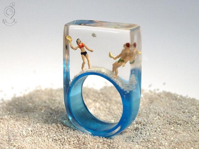 anillos con miniaturas dentro 5