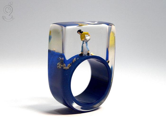 anillos con miniaturas dentro 7