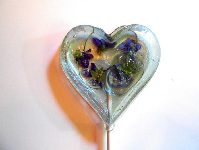 petalos de flores en piruletas 9