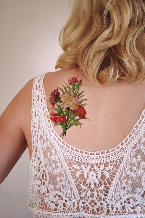 tatuajes flores dibujadas 2