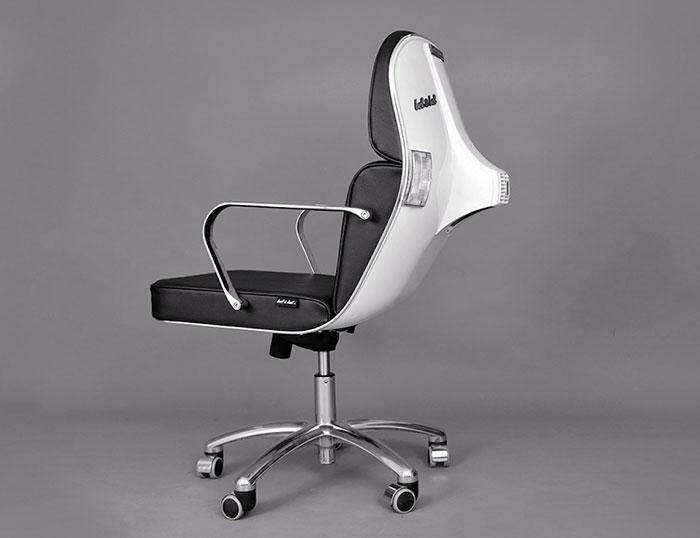 vespas convertidas en sillas de oficina 7
