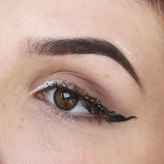 maquillaje diminuto 1