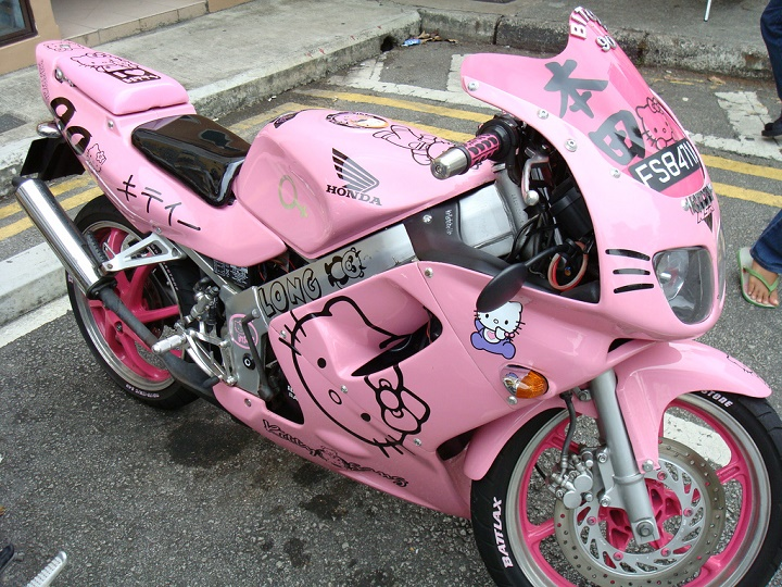 moto Hello Kitty