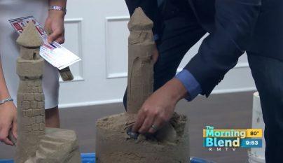 castillo de arena con forma de pene