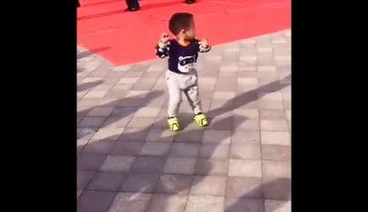 chinito bailando