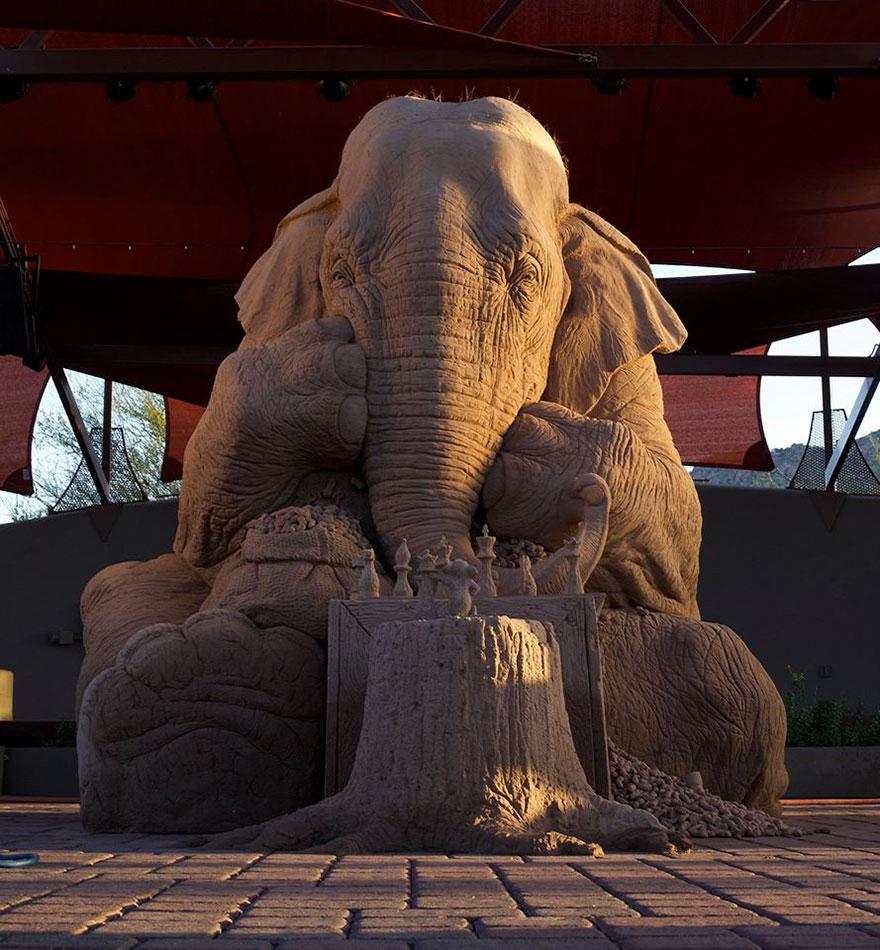 escultura arena elefante raton 1