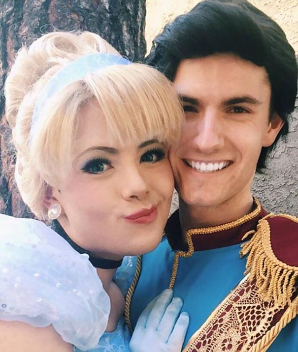hombre maquillado princesas Disney 10
