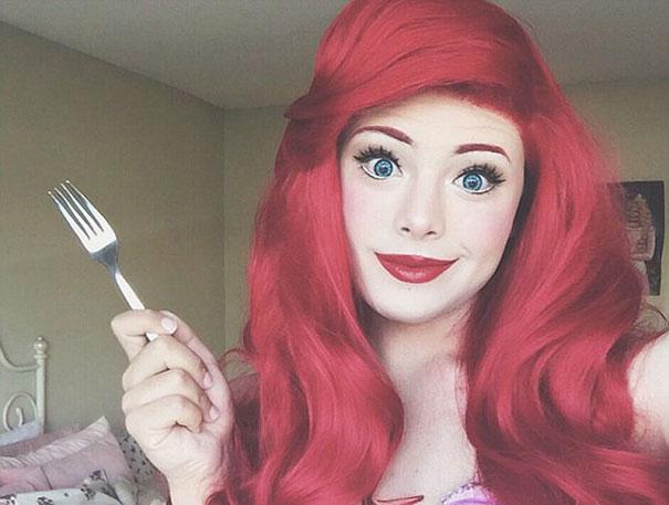 hombre maquillado princesas Disney 4