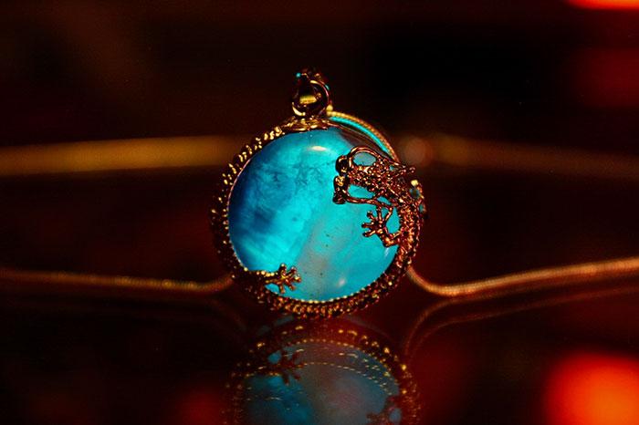 joyas que brillan en la oscuridad 1