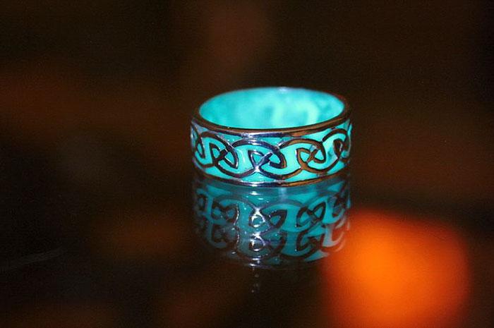 joyas que brillan en la oscuridad 6