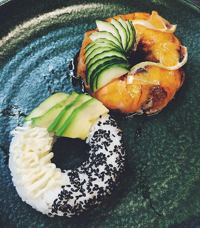 sushi donuts 4